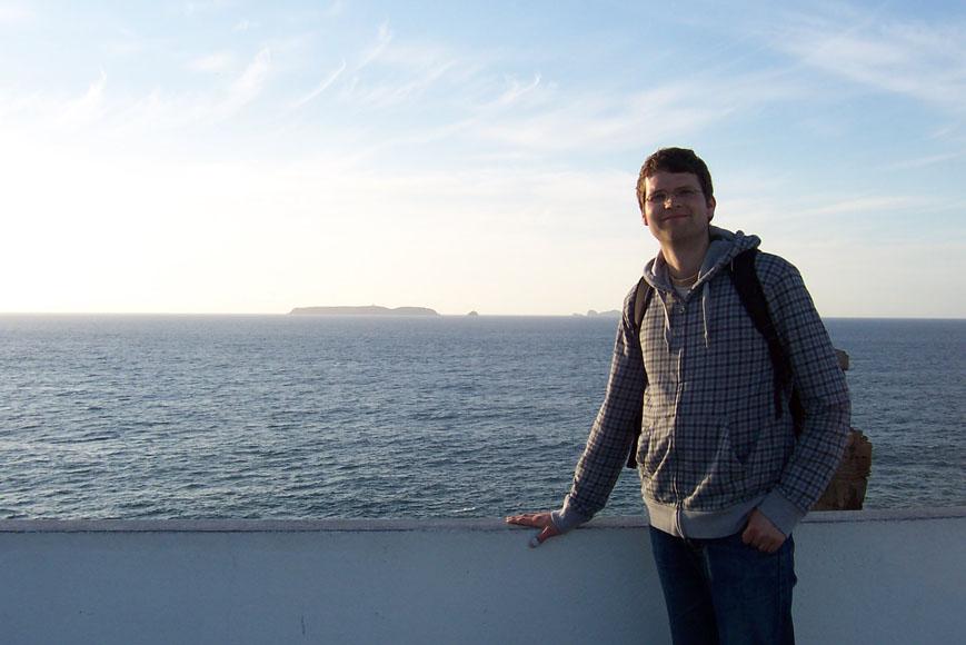 Falko in Portugal am Atlantik